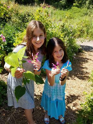 girls at arboretum