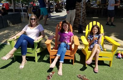 girls and Mommy at Terrapin Crossroads