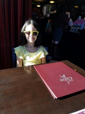 avery-at-brunch
