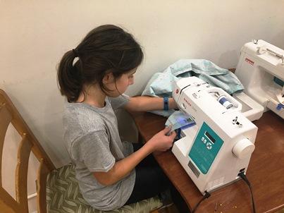 zoe-sewing