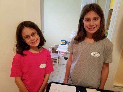 girls-working-at-hotel-browdy