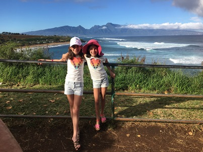 girls-by-ocean